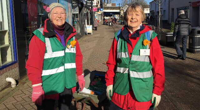 Milngavie In Bloom volunteers